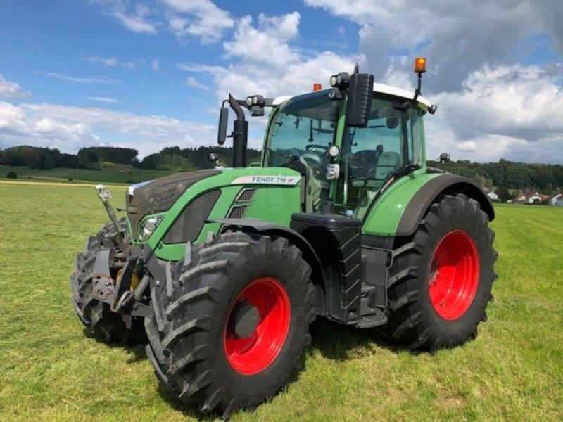 Traktor des Typs Fendt 718 Vario SCR, Gebrauchtmaschine in Dirlewang (Bild 1)