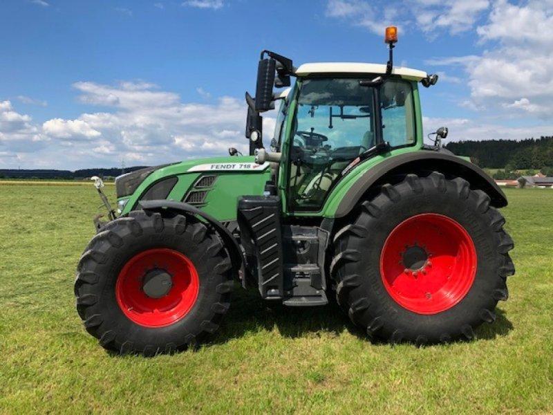 Traktor des Typs Fendt 718 Vario SCR, Gebrauchtmaschine in Dirlewang (Bild 2)