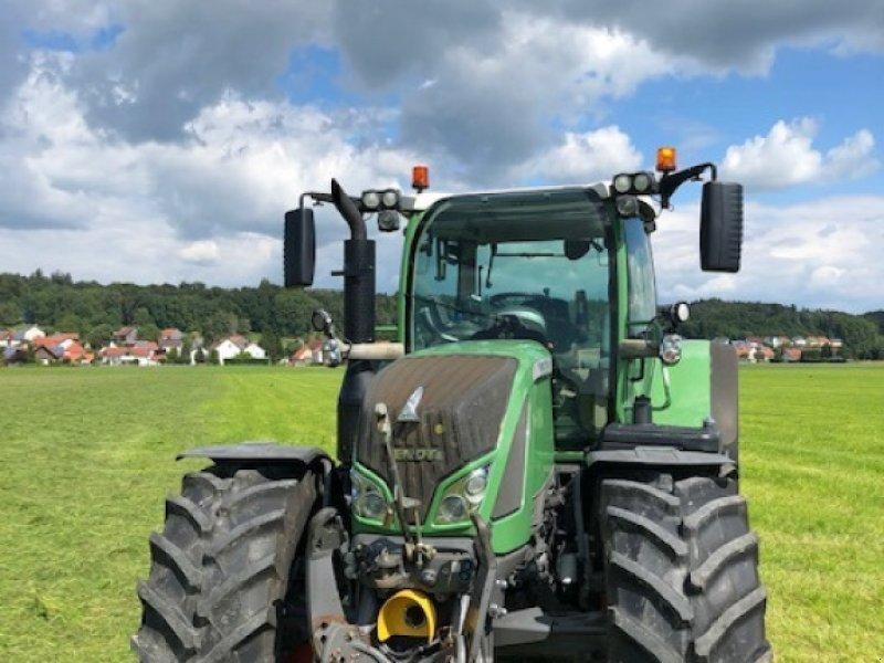 Traktor des Typs Fendt 718 Vario SCR, Gebrauchtmaschine in Dirlewang (Bild 3)