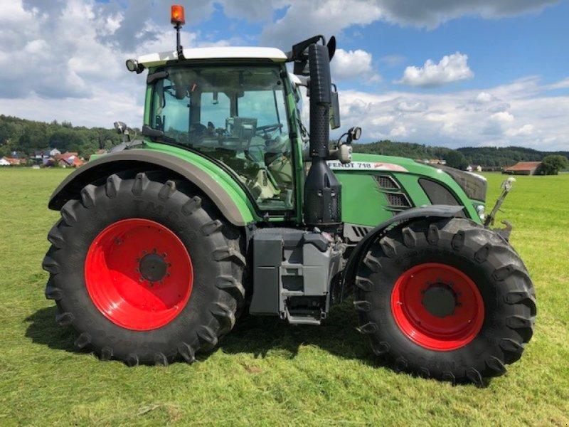 Traktor des Typs Fendt 718 Vario SCR, Gebrauchtmaschine in Dirlewang (Bild 4)