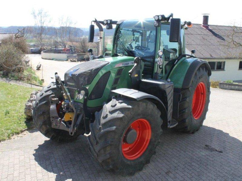 Traktor des Typs Fendt 718 Vario SCR, Gebrauchtmaschine in Langenaltheim (Bild 1)