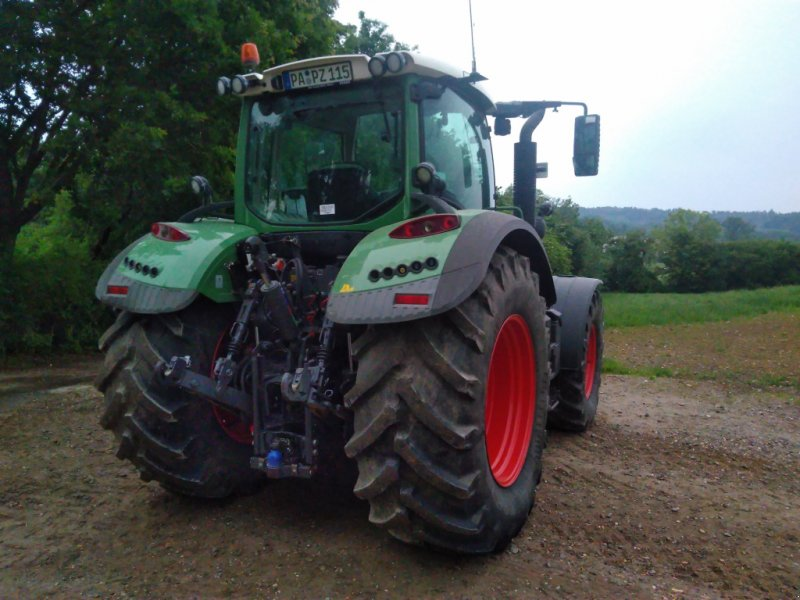 Traktor des Typs Fendt 718 Vario SCR, Gebrauchtmaschine in Ortenburg (Bild 3)