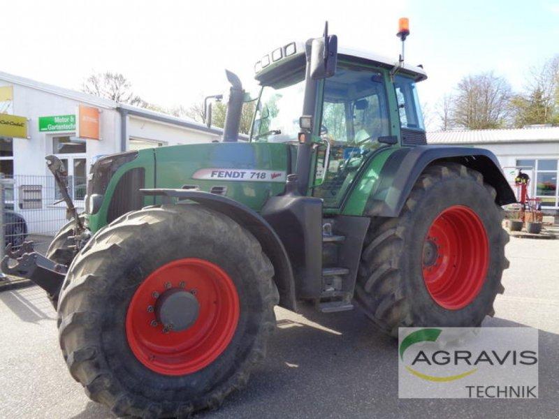 Traktor des Typs Fendt 718 VARIO, Gebrauchtmaschine in Gyhum-Nartum (Bild 1)