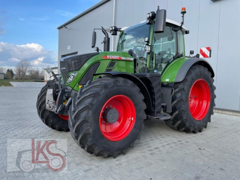 Traktor of the type Fendt 724 GEN6 PROFIPLUS, Neumaschine in Starkenberg (Picture 1)