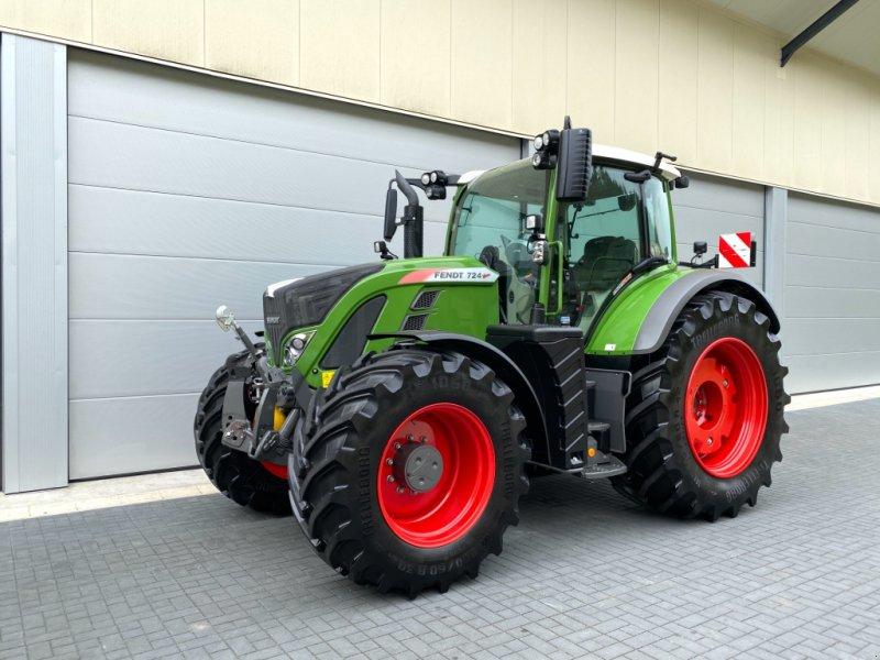 Traktor типа Fendt 724 S4 Profiplus Profi+, Gebrauchtmaschine в Weigendorf (Фотография 1)