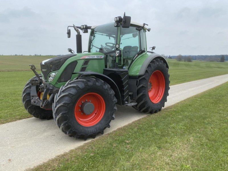 Traktor des Typs Fendt 724 SCR Profi Plus, Gebrauchtmaschine in Strasswalchen (Bild 1)