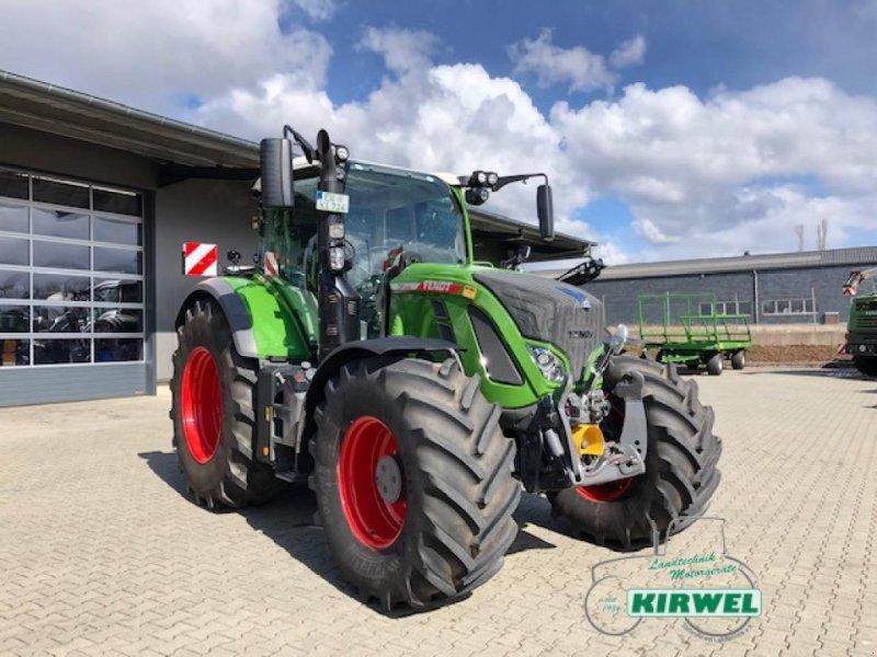 Traktor des Typs Fendt 724 Vario Gen6, Gebrauchtmaschine in Blankenheim (Bild 1)
