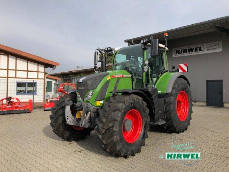 Traktor типа Fendt 724 Vario Gen6, Gebrauchtmaschine в Blankenheim (Фотография 1)