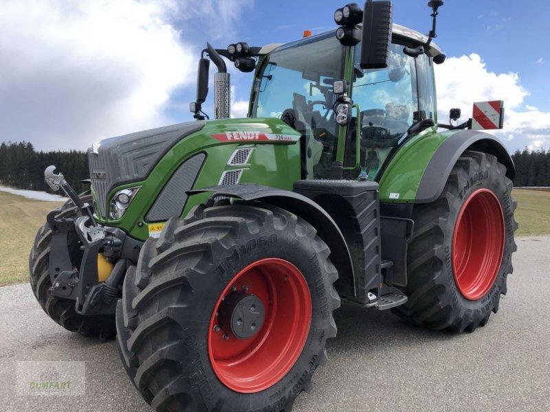 Traktor des Typs Fendt 724 Vario Profi+, Gebrauchtmaschine in Bad Leonfelden (Bild 1)