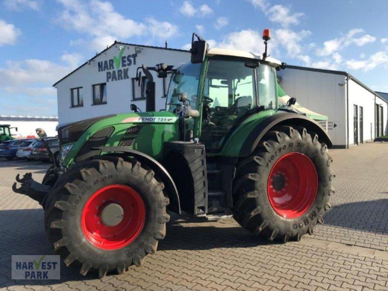 Traktor des Typs Fendt 724 Vario Profi Plus, Gebrauchtmaschine in Emsbüren (Bild 1)