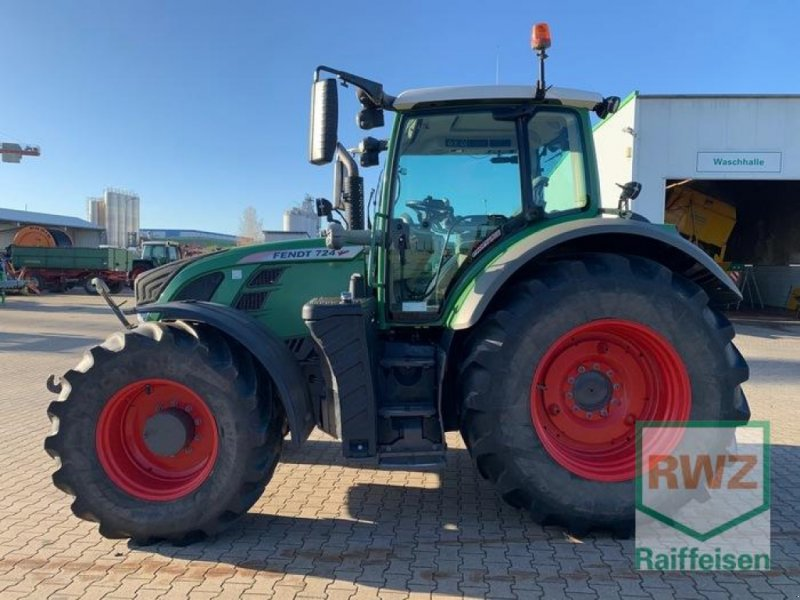 Traktor des Typs Fendt 724 Vario Profi Plus, Gebrauchtmaschine in Kruft (Bild 6)