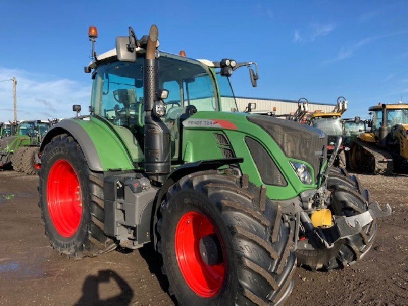 Traktor of the type Fendt 724 Vario Profi, Gebrauchtmaschine in Grantham (Picture 1)