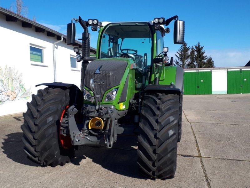 Traktor des Typs Fendt 724 Vario Profi, Neumaschine in Delitzsch (Bild 2)