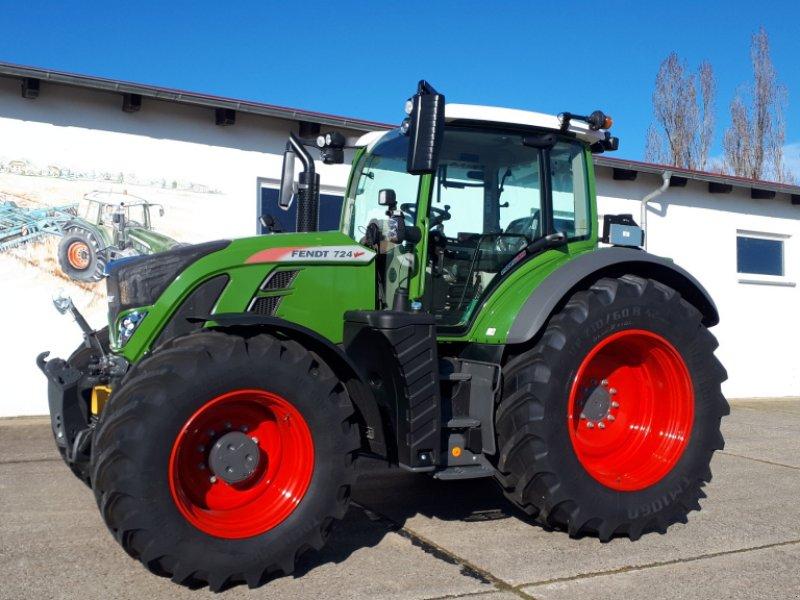 Traktor des Typs Fendt 724 Vario Profi, Neumaschine in Delitzsch (Bild 1)