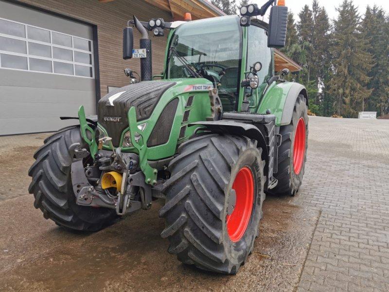 Traktor des Typs Fendt 724 Vario Profi, Gebrauchtmaschine in Donaueschingen (Bild 1)