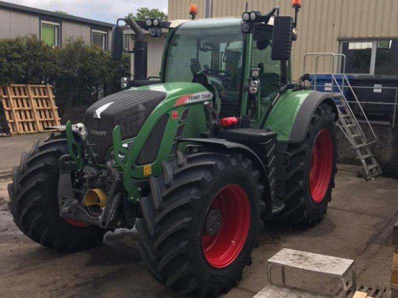 Traktor des Typs Fendt 724 Vario Profi, Gebrauchtmaschine in Winsen (Bild 1)