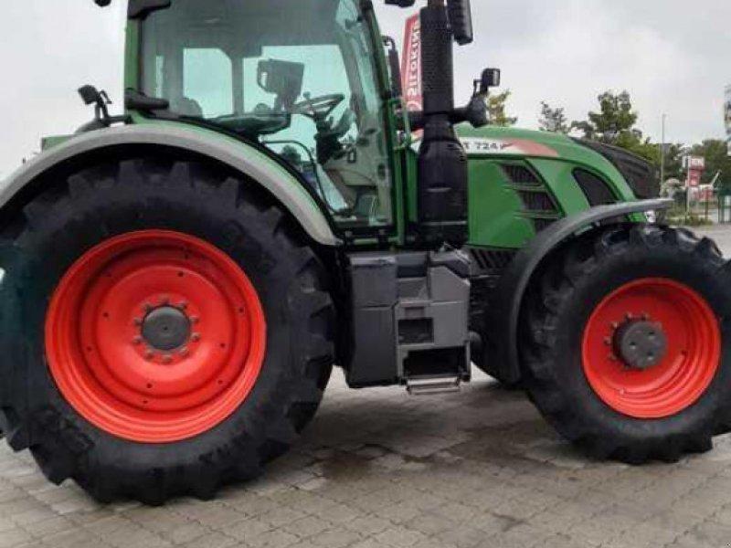 Traktor des Typs Fendt 724 Vario ProfiPlus, Gebrauchtmaschine in Husum (Bild 4)