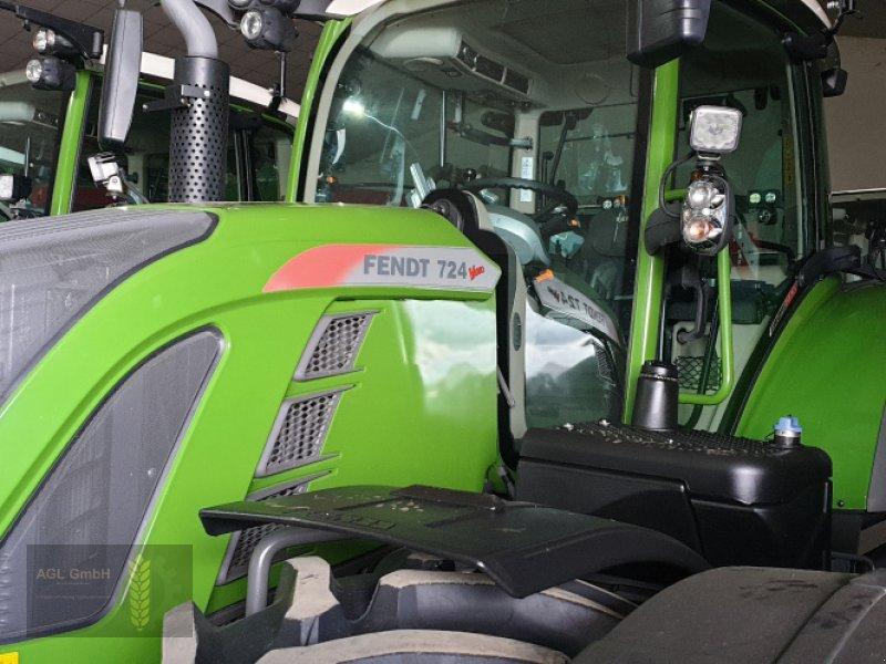 Traktor des Typs Fendt 724 Vario S4 Profi Plus, Gebrauchtmaschine in Eichendorf (Bild 1)