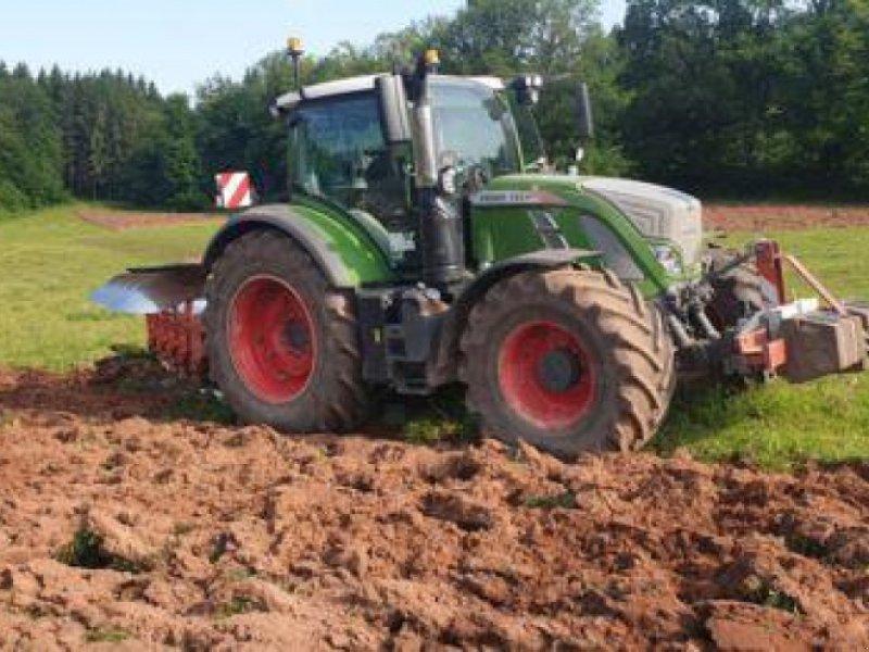 Traktor типа Fendt 724 VARIO S4 PROFI PLUS, Gebrauchtmaschine в Sainte-Croix-en-Plaine (Фотография 1)