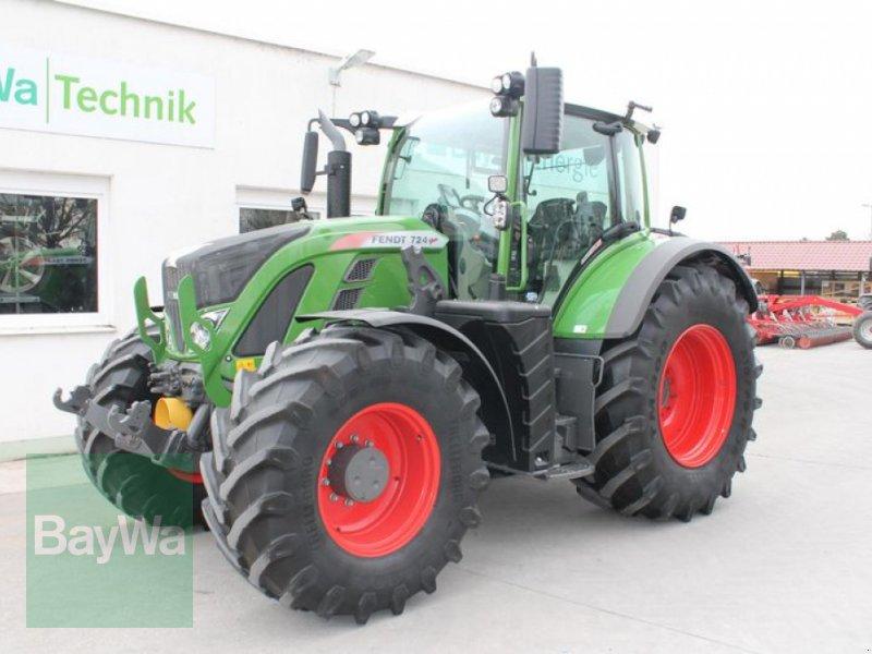 Traktor des Typs Fendt 724 VARIO S4 PROFI PLUS, Gebrauchtmaschine in Straubing (Bild 2)
