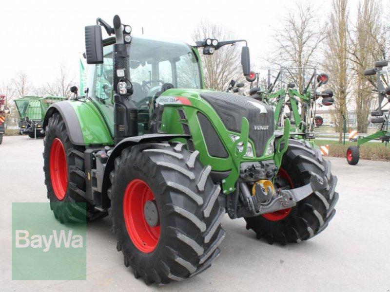 Traktor des Typs Fendt 724 VARIO S4 PROFI PLUS, Gebrauchtmaschine in Straubing (Bild 4)