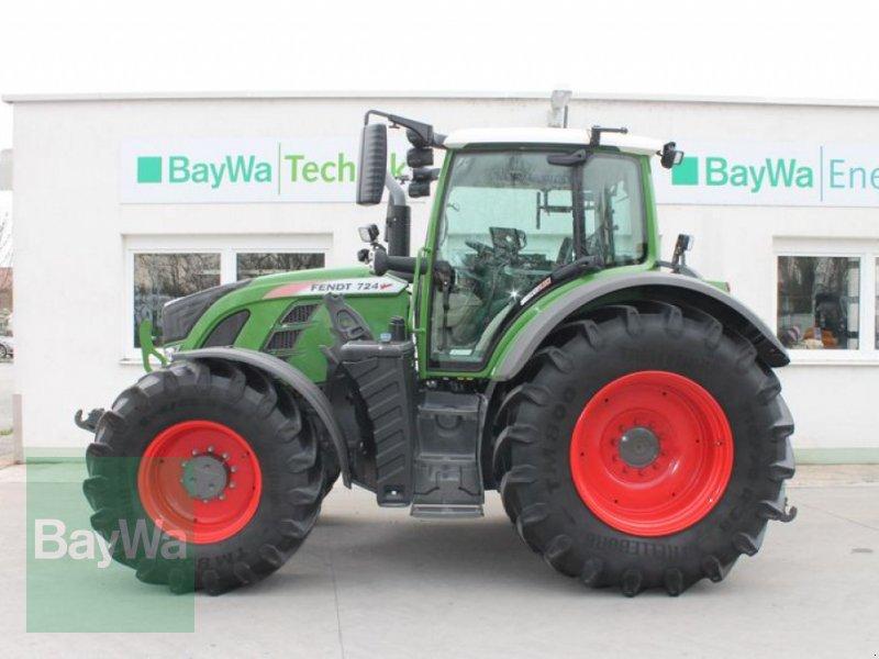 Traktor des Typs Fendt 724 VARIO S4 PROFI PLUS, Gebrauchtmaschine in Straubing (Bild 1)