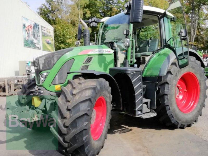 Traktor des Typs Fendt 724 VARIO S4 PROFI PLUS, Gebrauchtmaschine in Obertraubling (Bild 1)
