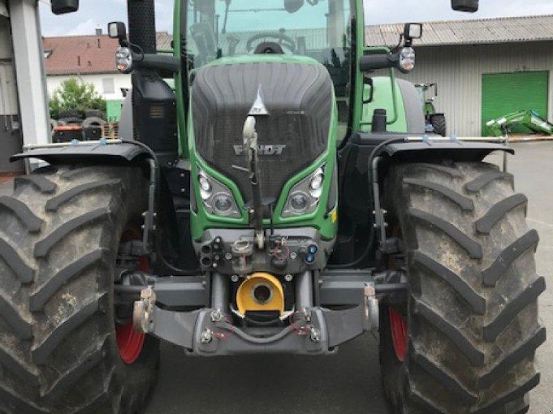 Traktor des Typs Fendt 724 Vario S4 Profi Plus, Gebrauchtmaschine in Marburg-Cappel (Bild 3)