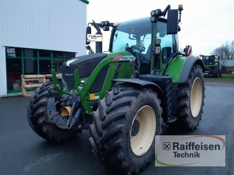 Traktor des Typs Fendt 724 Vario S4 ProfiPlus, Gebrauchtmaschine in Husum (Bild 1)