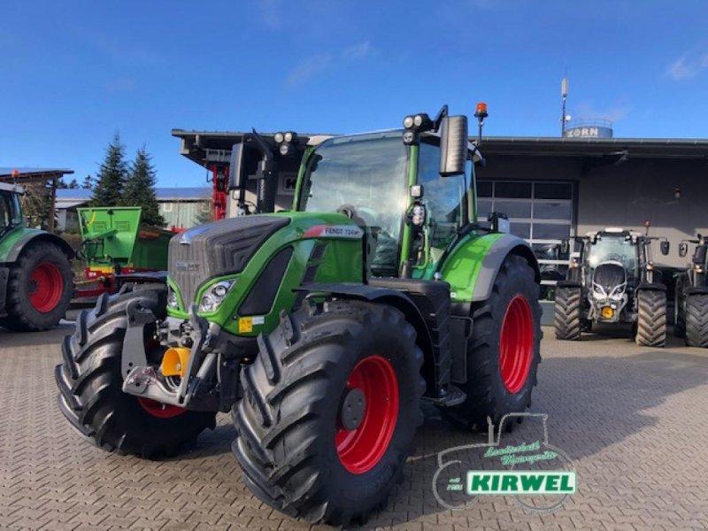 Traktor des Typs Fendt 724 Vario S4, Neumaschine in Blankenheim (Bild 1)