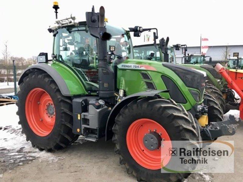 Traktor des Typs Fendt 724 Vario S4, Gebrauchtmaschine in Gnutz (Bild 1)