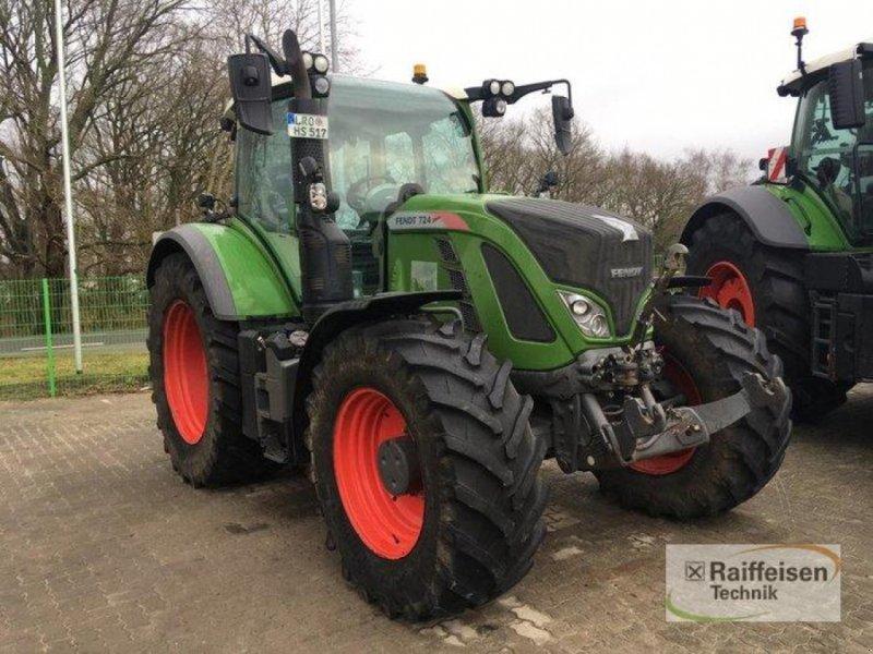 Traktor des Typs Fendt 724 Vario S4, Gebrauchtmaschine in Bützow (Bild 1)