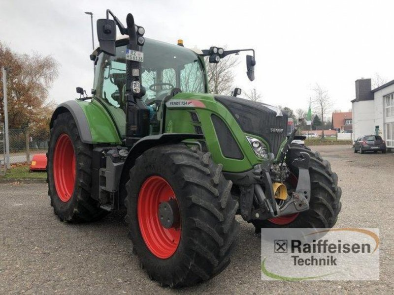 Traktor des Typs Fendt 724 Vario S4, Gebrauchtmaschine in Bad Oldesloe (Bild 1)