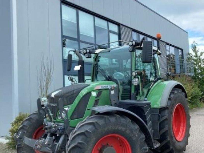 Traktor des Typs Fendt 724 VARIO SCR PROFI PLUS, Gebrauchtmaschine in Nienburg (Bild 1)