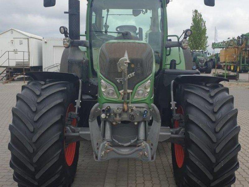 Traktor des Typs Fendt 724 VARIO SCR PROFI PLUS, Gebrauchtmaschine in Calbe / Saale (Bild 8)