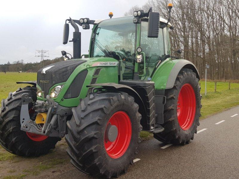 Traktor des Typs Fendt 724 Vario SCR, Gebrauchtmaschine in Wippingen (Bild 1)