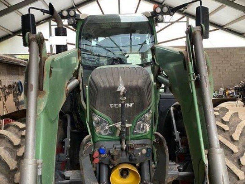Traktor des Typs Fendt 724 Vario SCR, Gebrauchtmaschine in Diez (Bild 3)