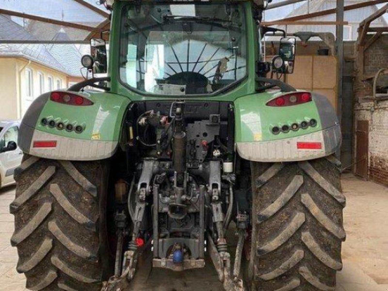Traktor des Typs Fendt 724 Vario SCR, Gebrauchtmaschine in Diez (Bild 4)