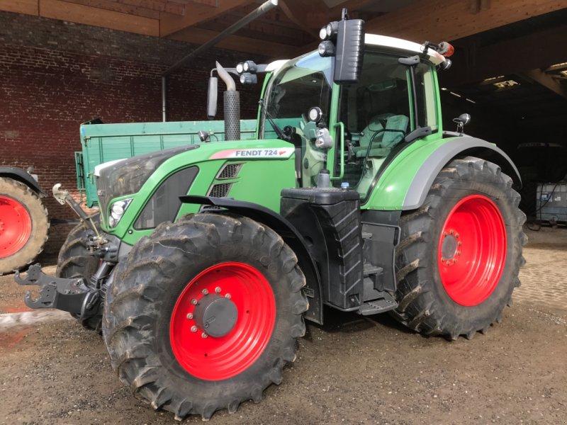Traktor des Typs Fendt 724 Vario SCR, Gebrauchtmaschine in Titz (Bild 1)