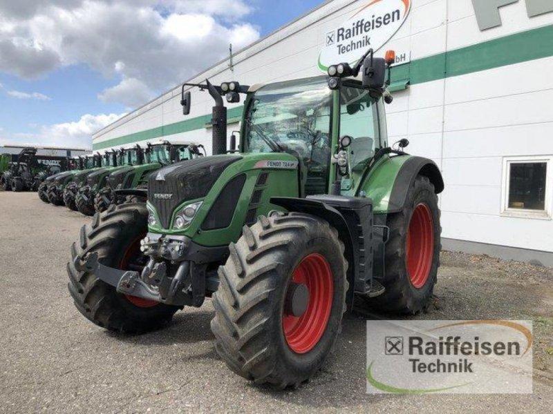 Traktor des Typs Fendt 724 Vario SCR, Gebrauchtmaschine in Bad Oldesloe (Bild 1)
