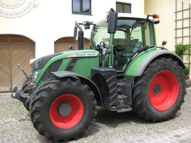 Traktor des Typs Fendt 724 Vario SCR, Gebrauchtmaschine in Velburg (Bild 2)