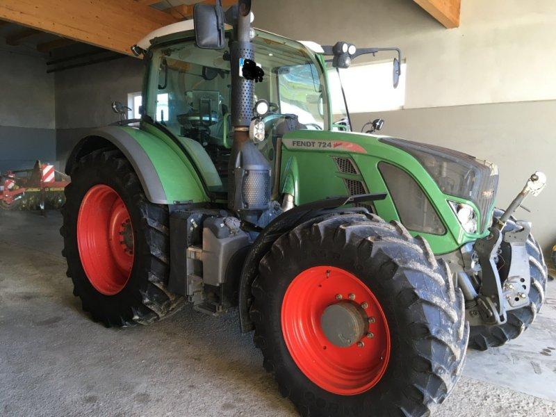 Traktor des Typs Fendt 724 Vario SCR, Gebrauchtmaschine in Binzwangen (Bild 1)