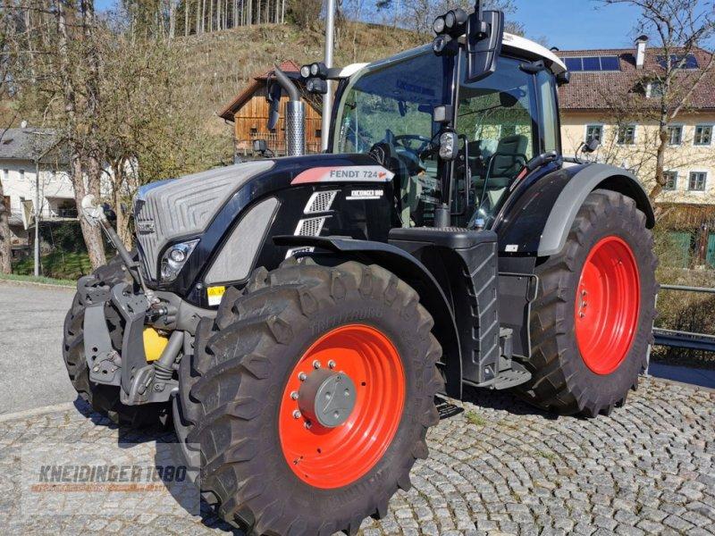 Traktor des Typs Fendt 724 Vario, Gebrauchtmaschine in Altenfelden (Bild 1)