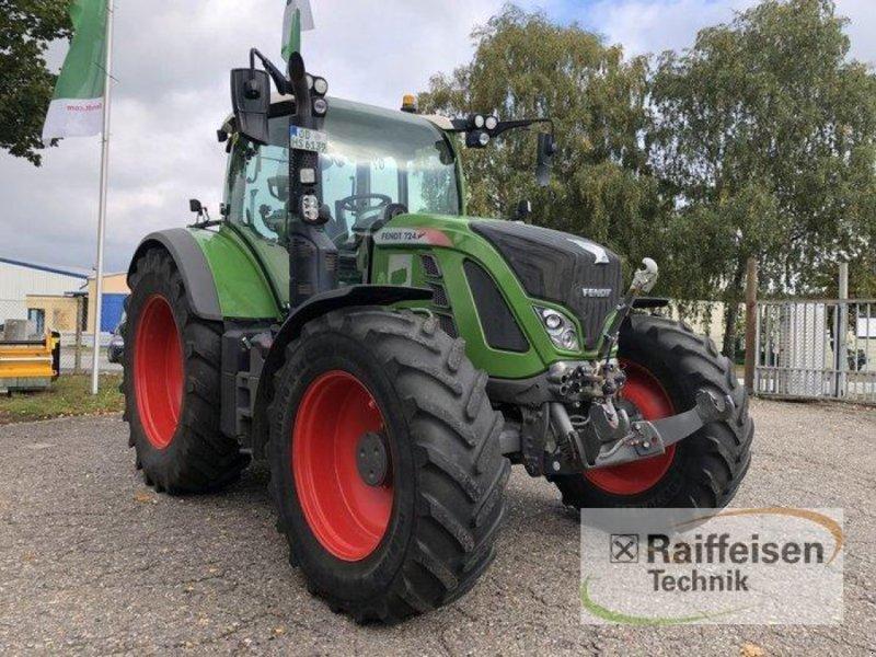 Traktor des Typs Fendt 724 Vario, Gebrauchtmaschine in Bad Oldesloe (Bild 1)