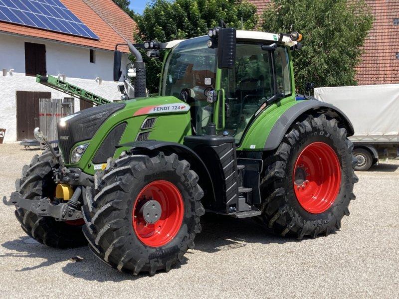Traktor типа Fendt 724 Vario, Gebrauchtmaschine в Oberlauterbach (Фотография 1)