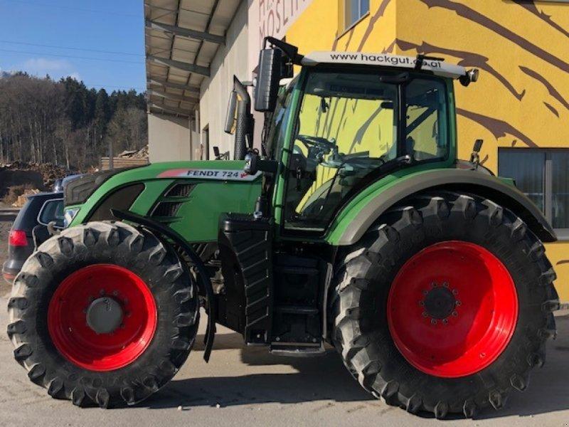 Traktor des Typs Fendt 724 Vario, Gebrauchtmaschine in Gaspoltshofen (Bild 1)