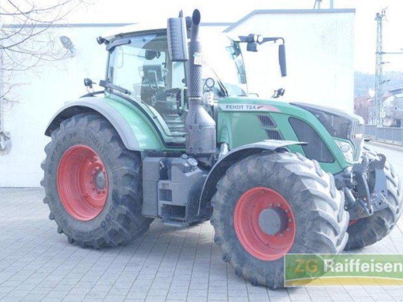 Traktor des Typs Fendt 724, Gebrauchtmaschine in Mosbach (Bild 1)