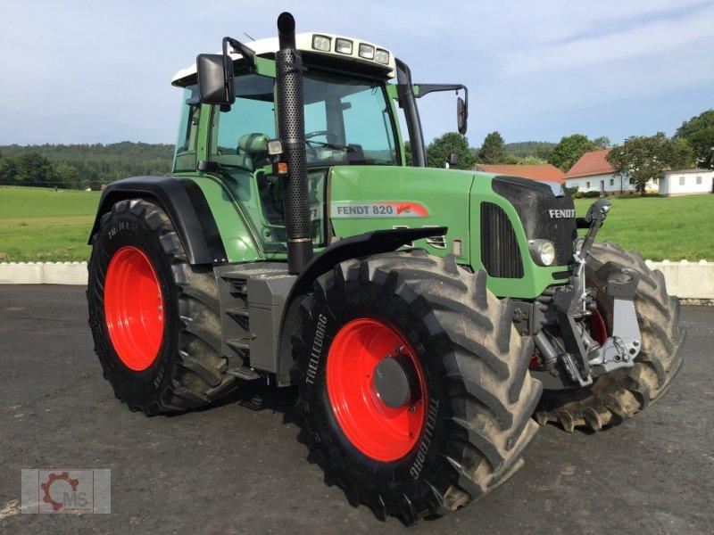 Traktor des Typs Fendt 820 Vario TMS gepflegter Zustand neuer Motor sofort Einsatzbereit, Gebrauchtmaschine in Tiefenbach (Bild 2)
