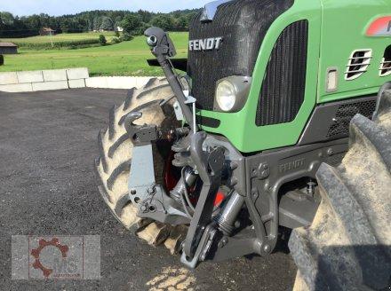 Traktor des Typs Fendt 820 Vario TMS gepflegter Zustand neuer Motor sofort Einsatzbereit, Gebrauchtmaschine in Tiefenbach (Bild 11)