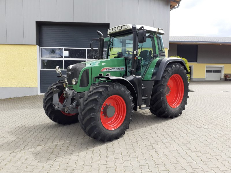 Traktor des Typs Fendt 820 Vario TMS Neuzustand, Gebrauchtmaschine in Tirschenreuth (Bild 1)